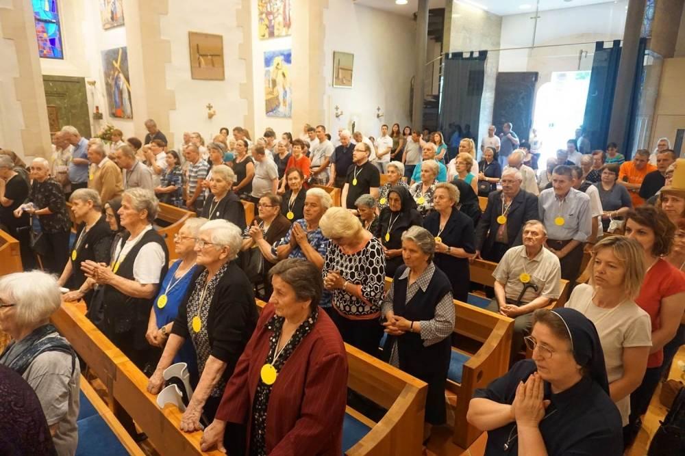 Hodoćašće starijih osoba Požeške biskupije u Voćin