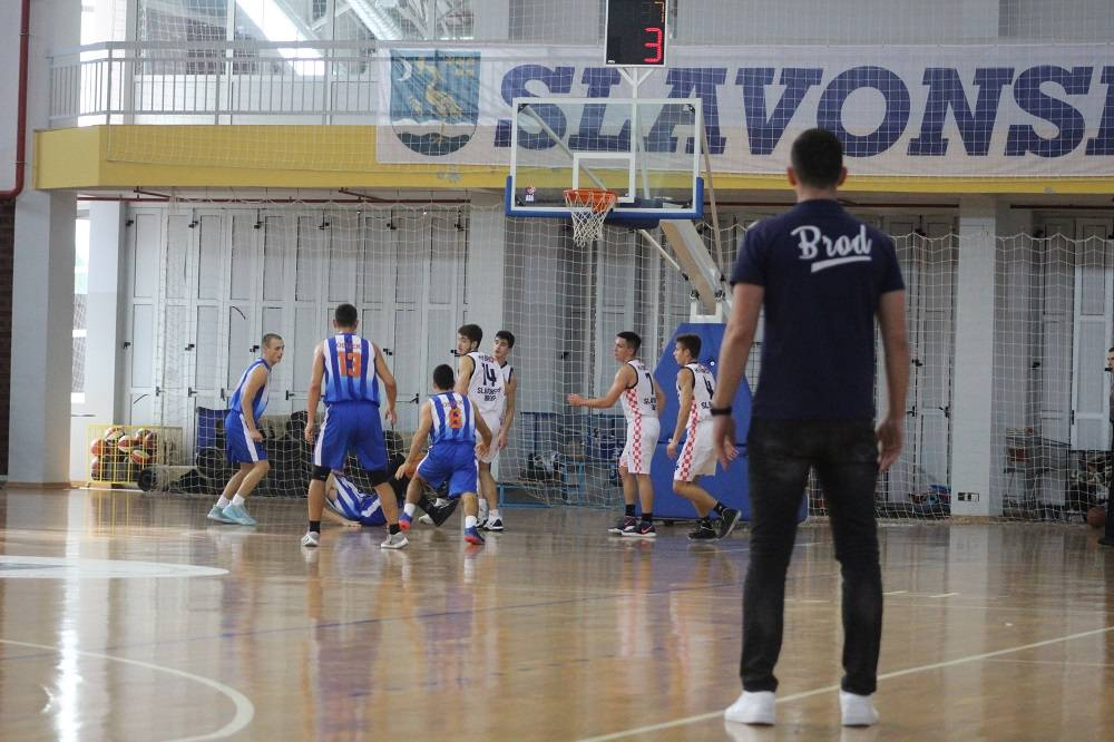 Sutra košarkaška poslastica u Slavonskom Brodu