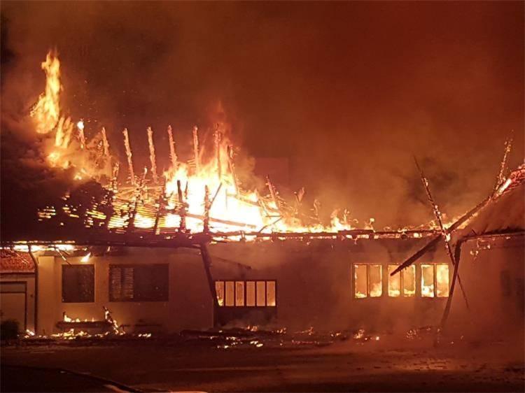 U požaru u Vlatkovcu izgorjela gospodarska zgrada i poljoprivredni strojevi