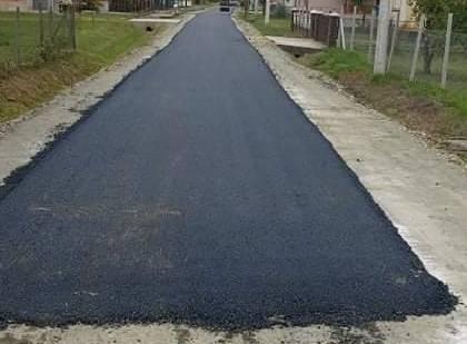 GRADAC: Umjesto ceste mještani dobili- nogostup?!