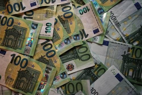 Prikupljaju se potpisi za održavanje referenduma o uvođenju eura u RH