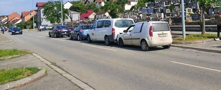 U Požegi došlo do sudara između tri vozila zbog nedržanja potrebitog razmaka