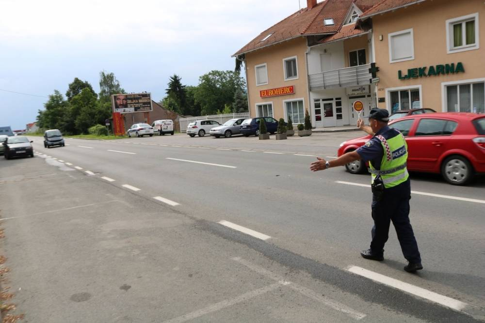 Vozači oprez! Policija danas provodi akciju ʺKorištenje pokazivača smjeraʺ
