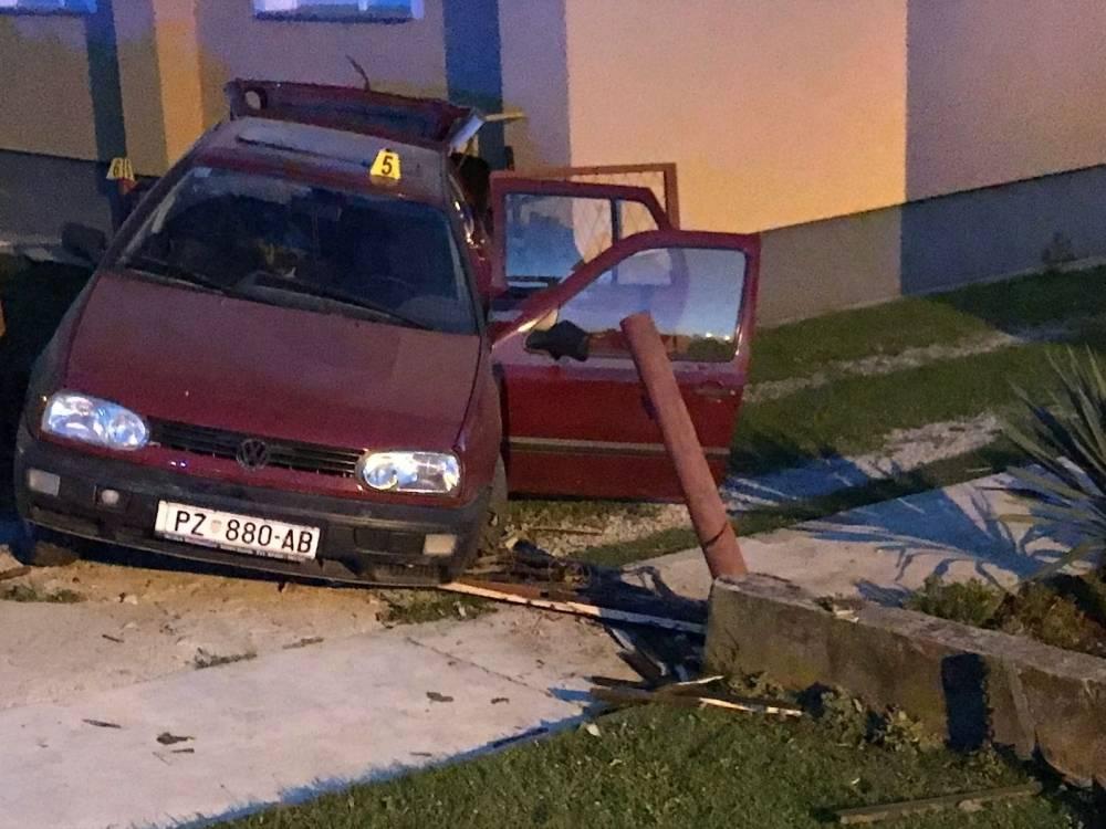Za jučerašnju prometnu u N. Mihaljevcima kriv 19-godišnji pijani vozač
