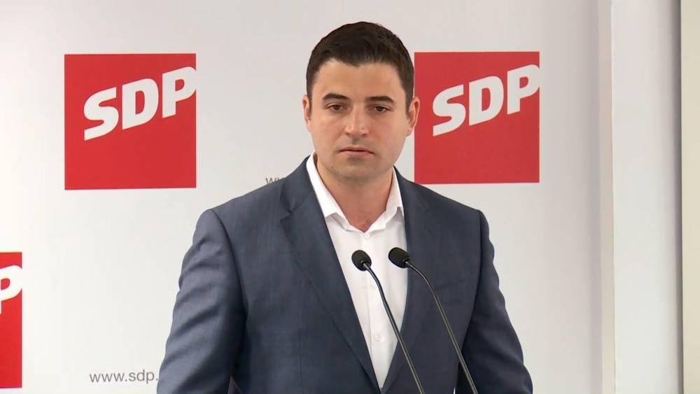 Bernardić: ʺVlada odugovlačenjem rješavanja Uljanika i 3. Maja ugrožava živote nekoliko tisuća radnika i njihovih obiteljiʺ