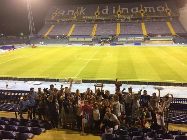 Polazanici lipičke Škole nogometa na utakmici GNK Dinamo - NK Osijek