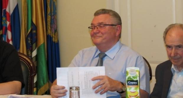Zdravko Ronko: ʺ'Raspisao sam natječaj za klub zastupnika, sad čekam ponudeʺ