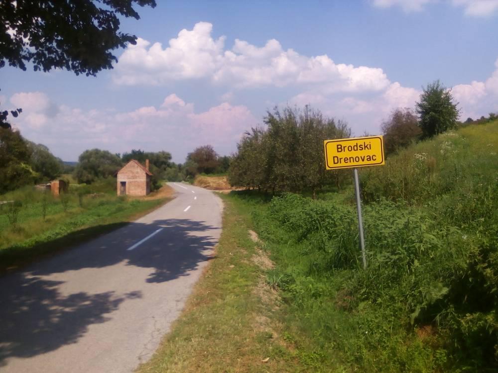 Cesta između Bečica i Brodskog Drenovca zahtjeva hitno proširenje