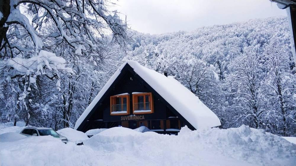 Danas promjenjivo, ponegdje moguć snijeg