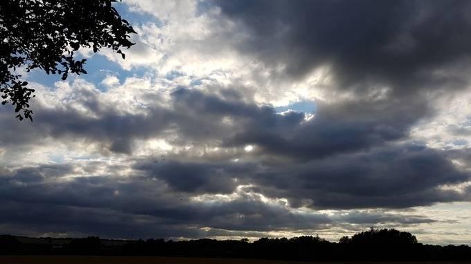 Vrijeme danas promjenljivo sa sunčanim razdobljima