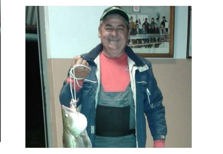 Damir na pleterničkom ribnjaku ulovio smuđa teškog 5,5 kg