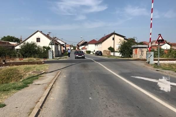 76-godišnjak kombijem oštetio polubranik u Požegi