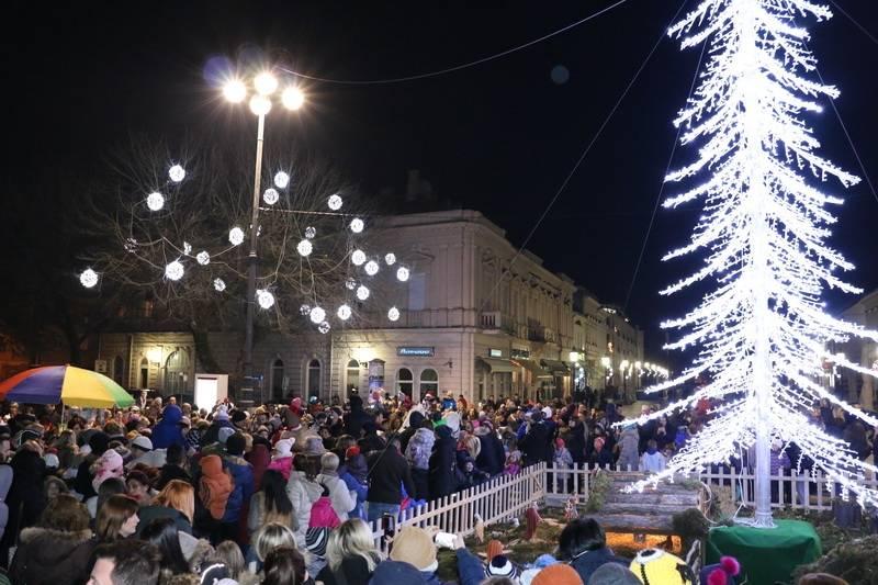 Prijave za 11. Božićni sajam na glavnom gradskom trgu