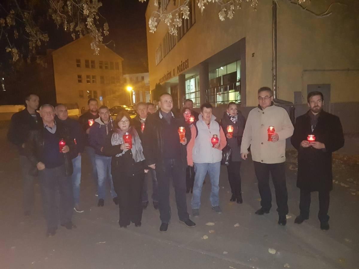 SDP naše županije u Požegi palio svijeće i odao počast svim žrtvama Vukovara