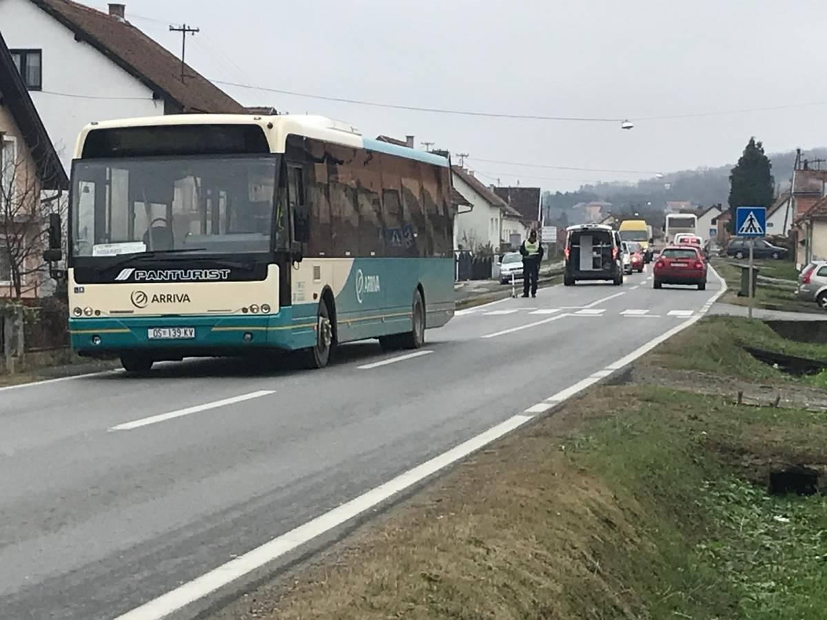 U Vidovcima autobus naletio na pješakinju, očevid u tijeku