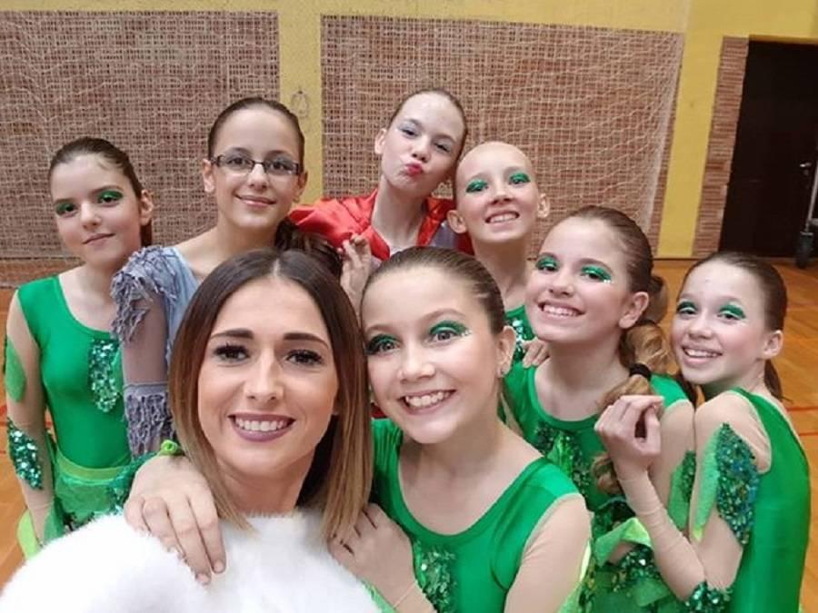 Plesači Astre aktivni na više strana