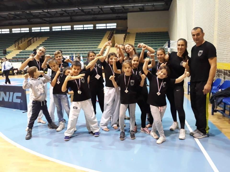 Svih 13 boraca Taekwon-do kluba ʺVelikaʺ s natjecanja u Vukovaru donijeli medalje