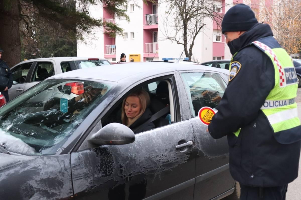 Policija vršila nadzor korištenja posebnih sigurnosnih sjedalica u vozilima