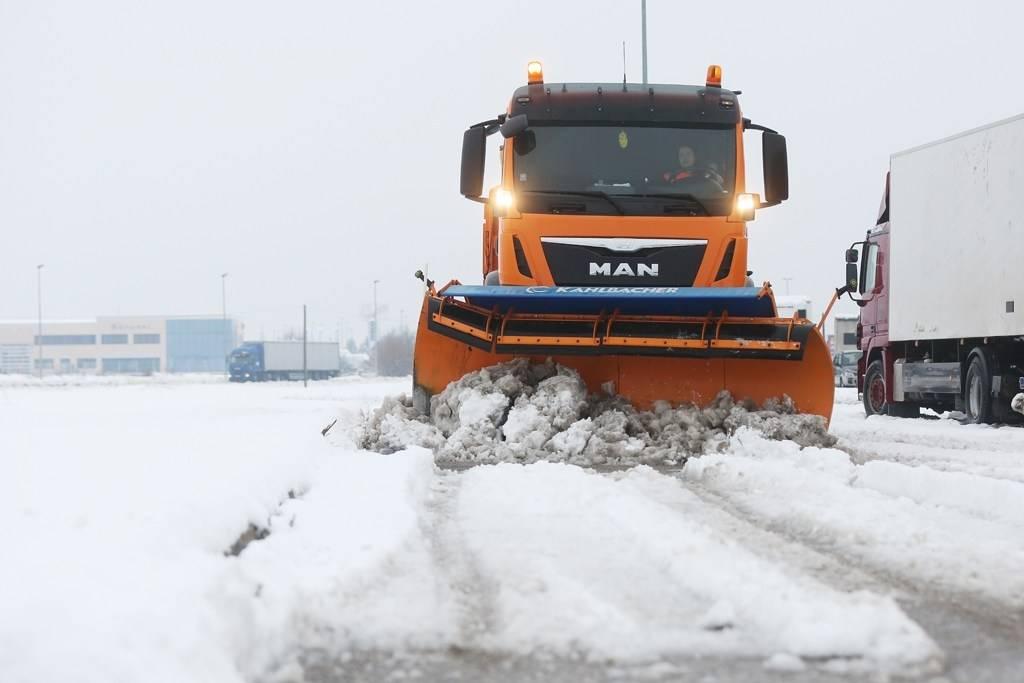 Stanje na prometnicama užasno, traži se ralica za snijeg po Požeštini !!!