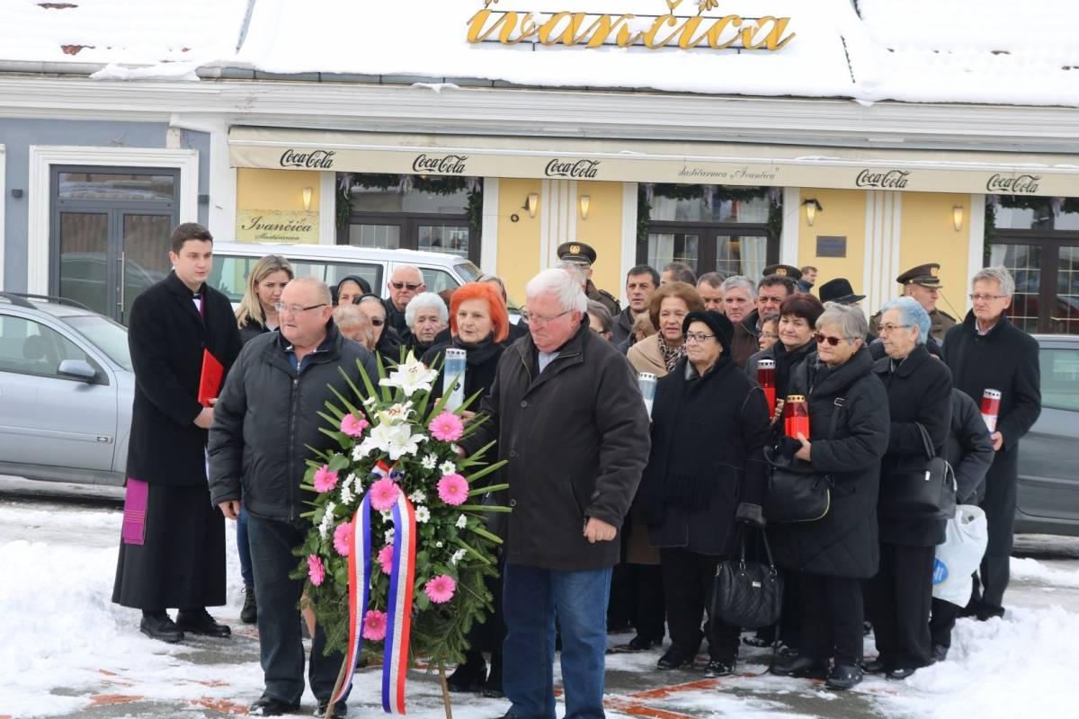 Polaganje vijenaca: Božićni susret roditelja poginulih branitelja Grada Požege