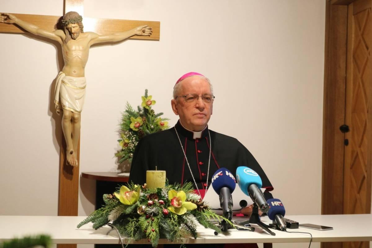 Božićna poruka biskupa Antuna Škvorčevića