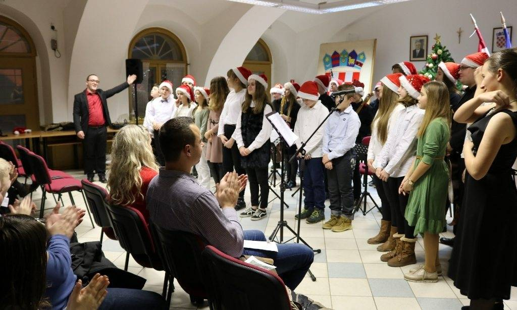 Koncert Tamburaškog orkestra: Ugodna božićna tamburaška večer