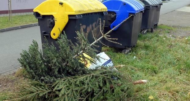 Komunalac će odvoziti božićna drvca od 7. do 18 siječnja