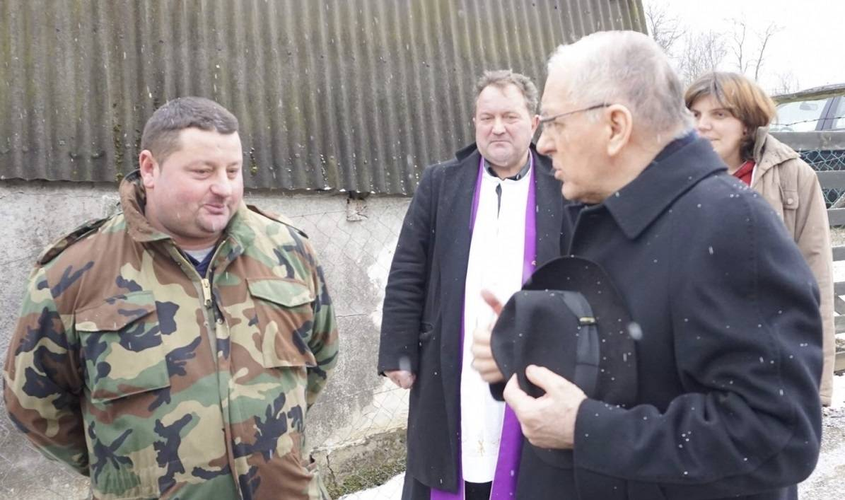 Biskup Škvorčević pohodio obitelj nastradalu u požaru kuće
