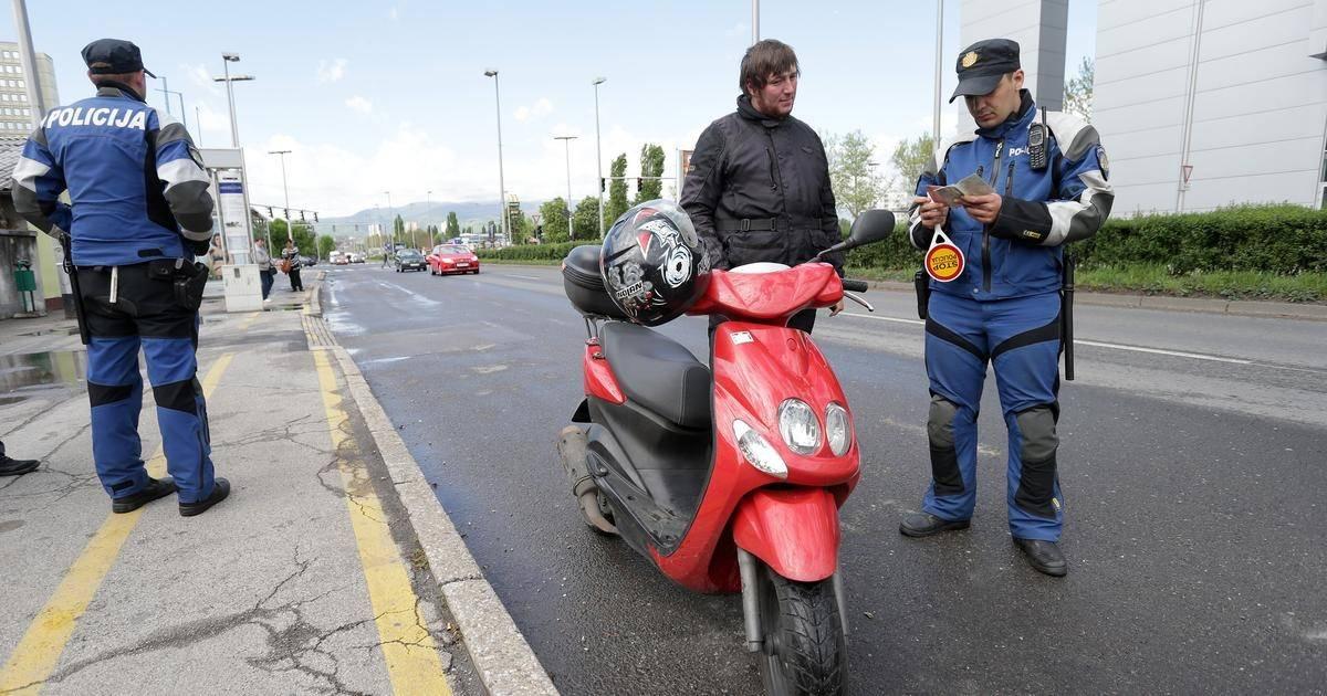 Pijani 20-godišnjak (2,17 promila) bez vozačke i kacige upravljao mopedom u centru grada