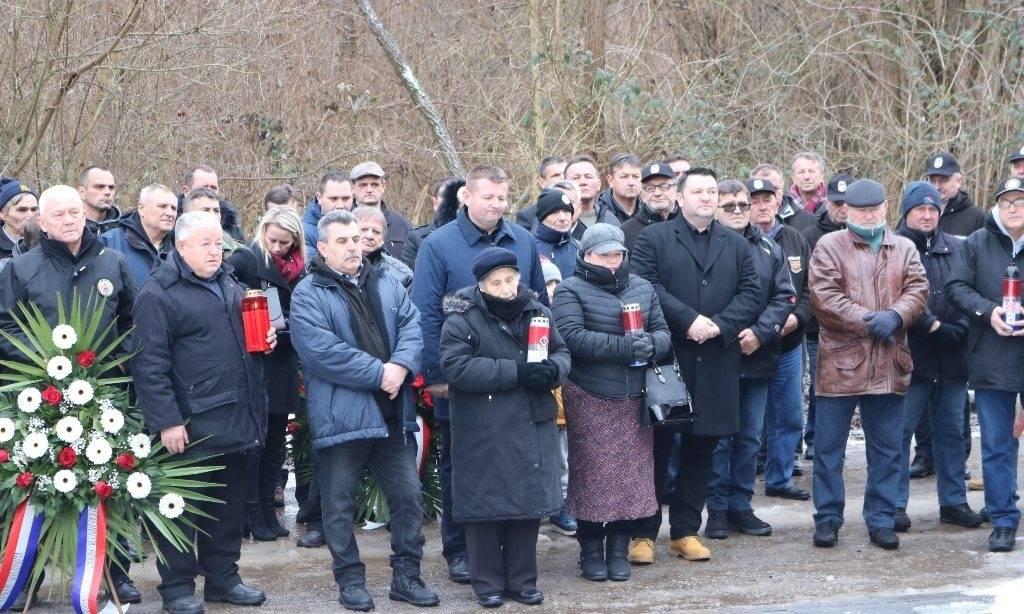 Komemoracija u Brusniku: Vapimo za istinom i pravdom