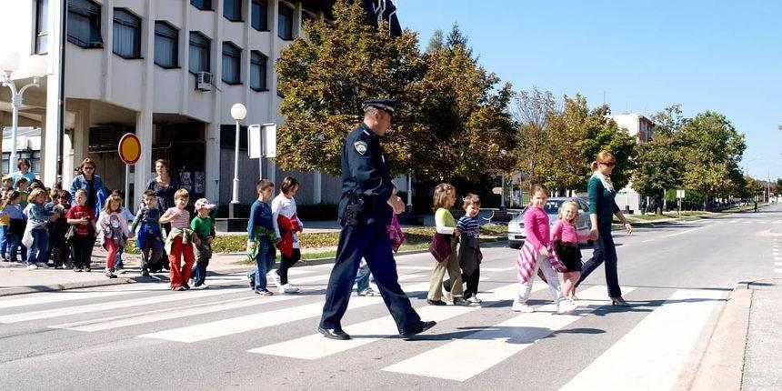 U ponedjeljak počinje drugo polugodište: Vozači, pazite na djecu u prometu!