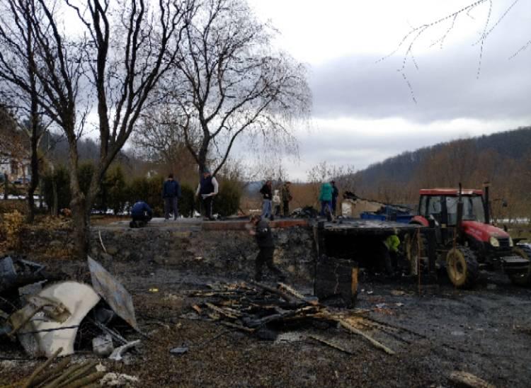 Radna akcija čišćenja požarišta u Novoj Ljeskovici