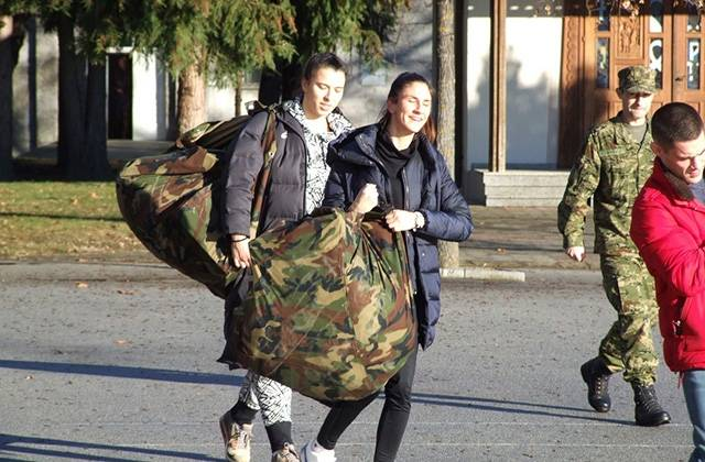 Vrhunski sportaši na dragovoljnom vojnom osposobljavanju u Požegi