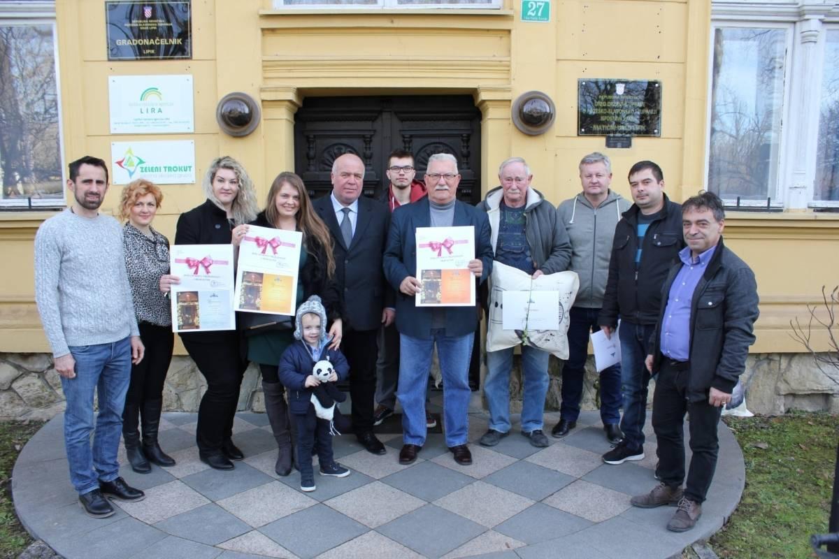 Obitelj Nagy iz Marinog Sela ima najljepšu Božićnu okućnicu na području Grada Lipika 2018.