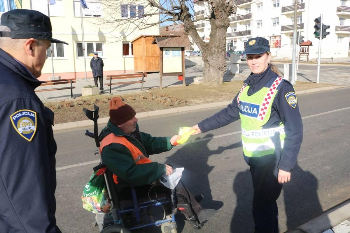 Policija poziva na oprez sve vozače i pješake - Pješaci su najranjiviji sudionici u prometu