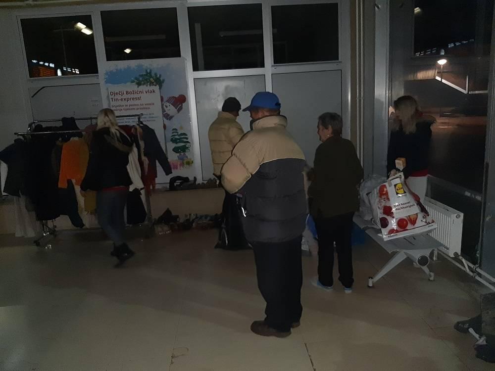 Veliko HVALA Volonterskom centru Slavonski Brod u ime svih koji su bili u potrebi i još jesu! Pomogli ste puno!!!