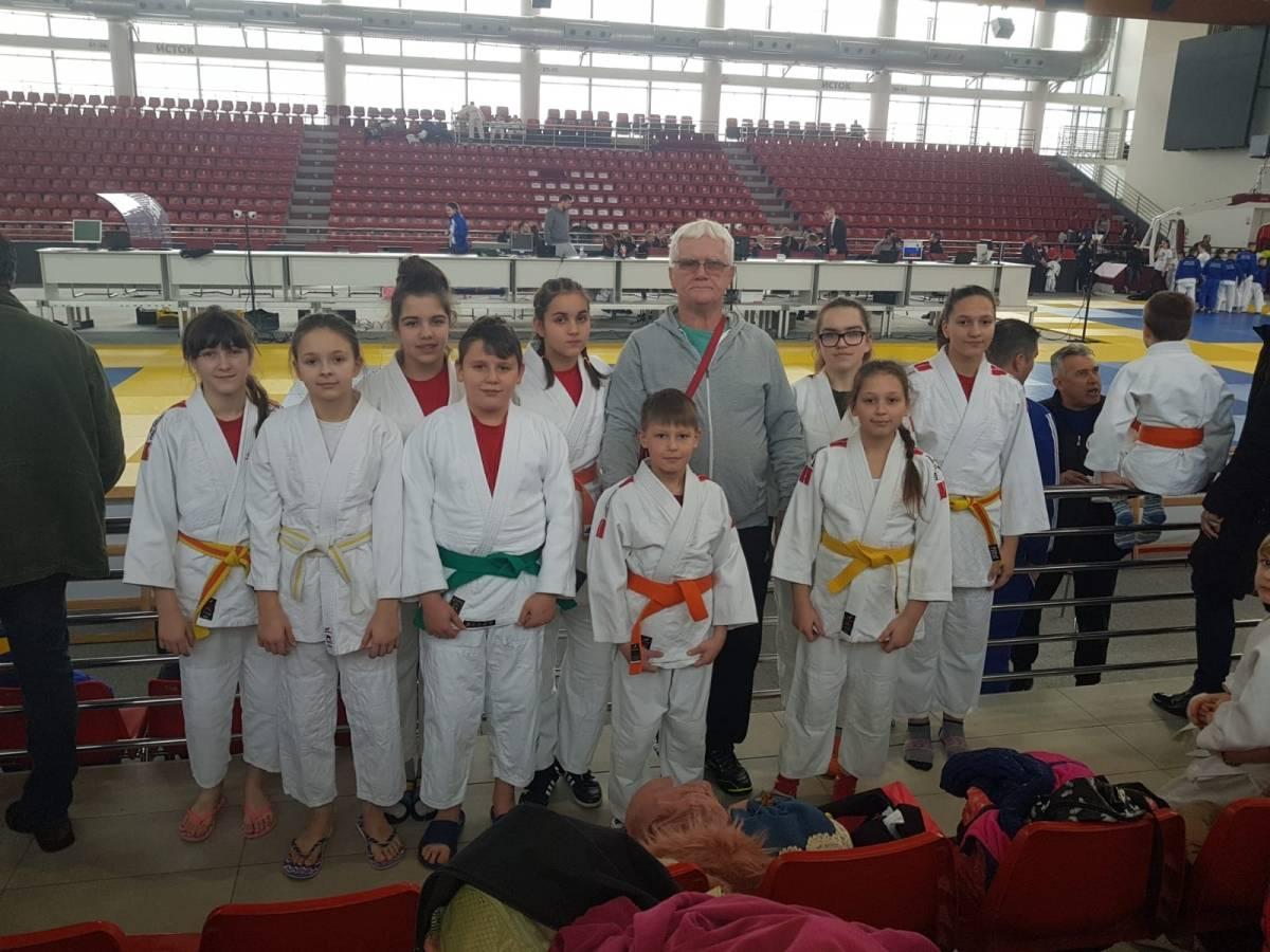 Judaši ʺJudokanʺ-a se s turnira iz Laktaša vratili s osam medalja
