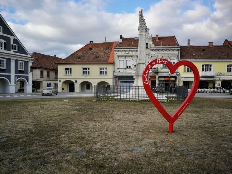 Ljubav je u Požegi