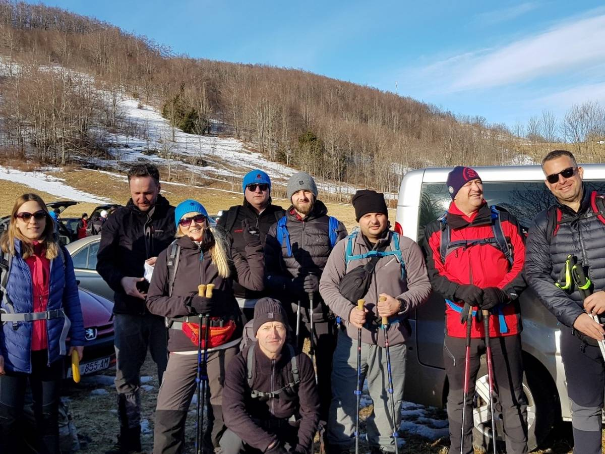 Gojzerice na Bjelolasici: Na vrhu led, u dolini procvali kukurijeci- Dva dana gušta u brdima s dobrom ekipom