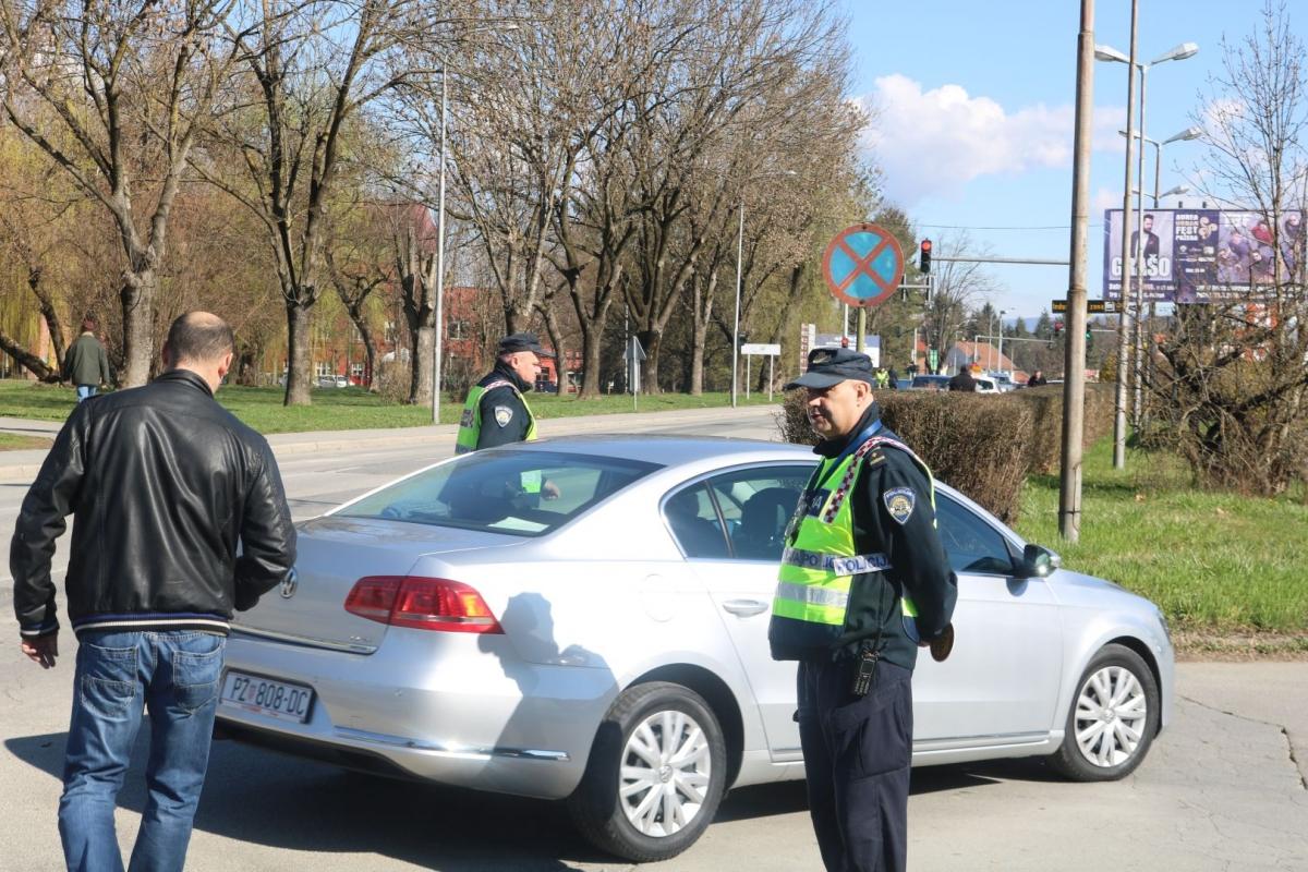 Vozači Oprez! Policija provodi akciju korištenja sigurnosnog pojasa, prošle godine evidentirano 1729 prekršaja