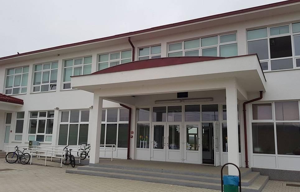 Sramotan odnos gradonačelnika Duspare prema djeci u Osnovnoj školi u Podcrkavlju! Htio ih ostaviti bez grijanja u pol zime?