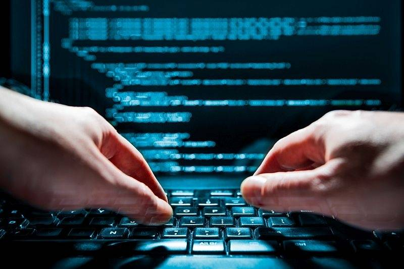Maloljetni haker napao web stranice srednje škole