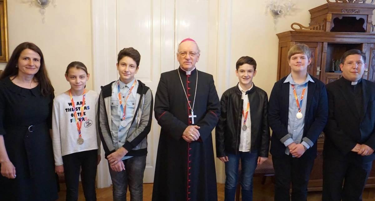 Pobjednici državne vjeronaučne olimpijade kod biskupa Škvorčevića
