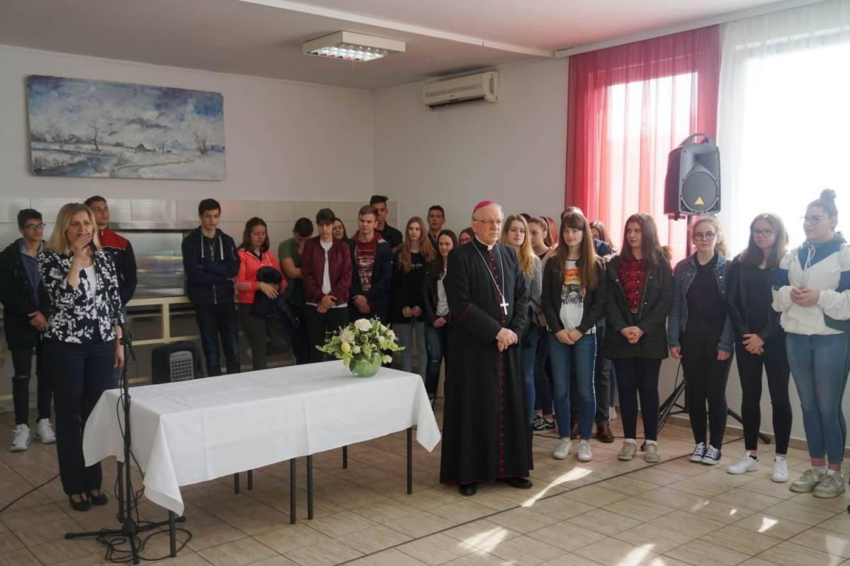 Biskup Škvorčević posjetio Dom za odrasle osobe u Ljeskovici