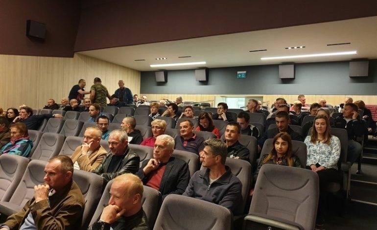 "Da se ne zaboravi: Dokumentarni film ""Štafeta smrti"" pobudio emocije Novogradiščana"