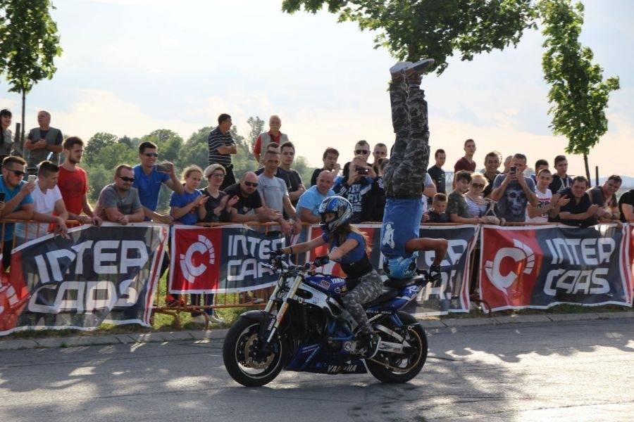 Spektakl za uvod u ovogodišnje Mega bikers susrete u Slavonskom Brodu