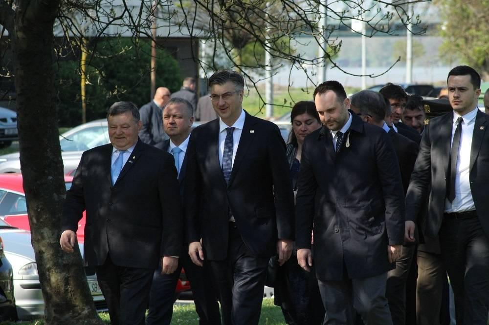Sva politička ʺkremaʺ u Slavonskom Brodu i Novoj Gradišci