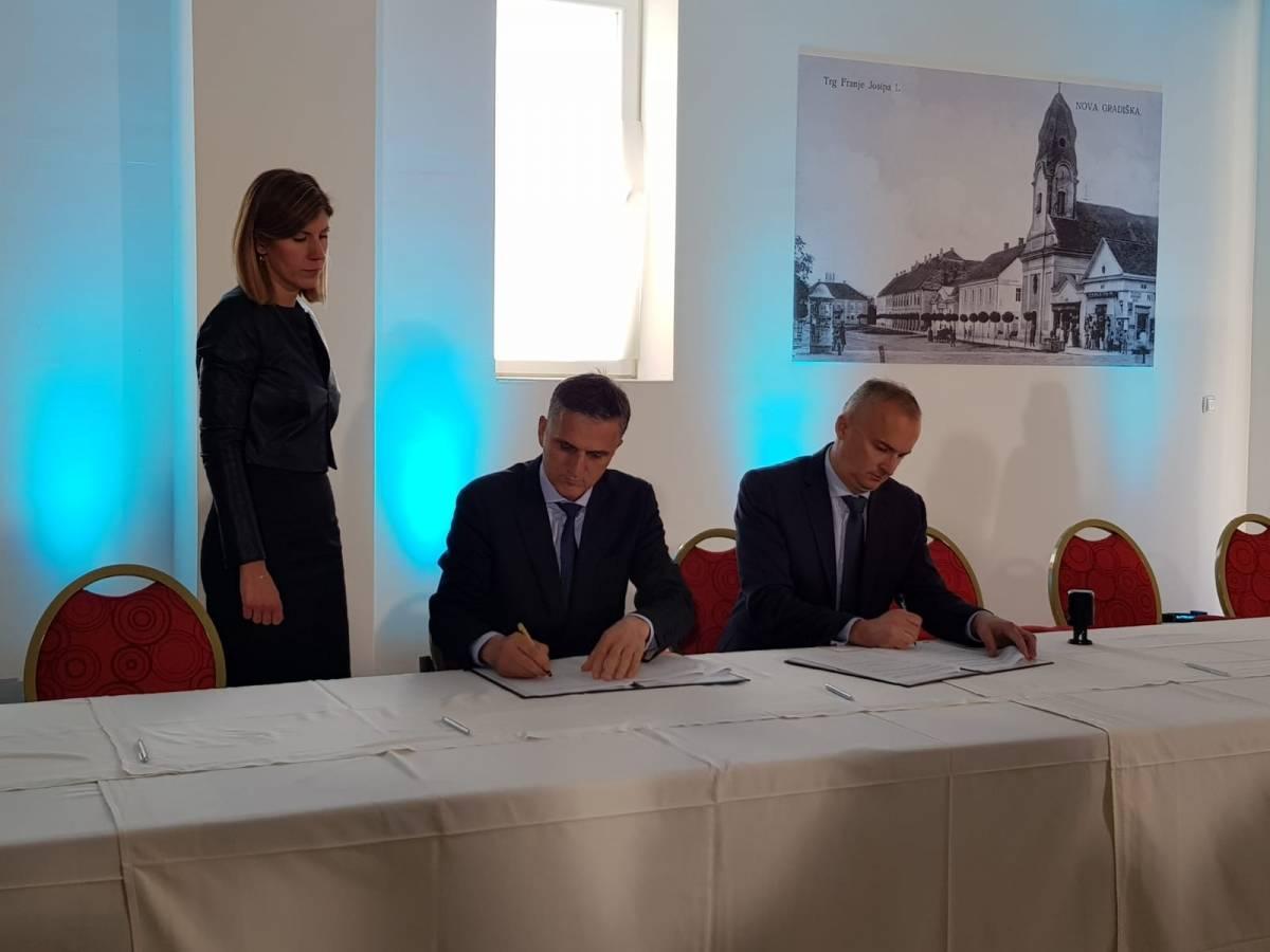 Nova Gradiška domaćin 8. sjednice Savjeta za Slavoniju, Baranju i Srijem: Potpisano 18 projekata ukupne vrijednosti preko 422 milijuna kuna