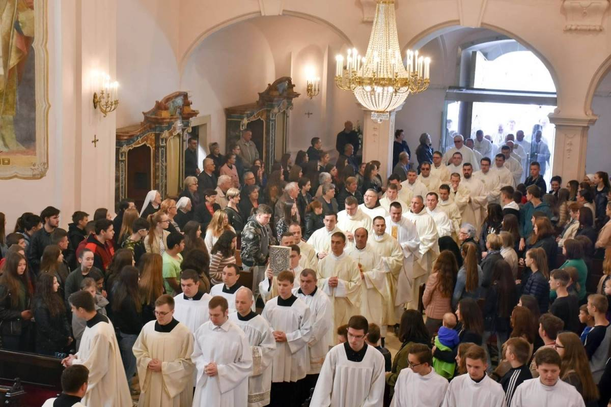 Misa posvete ulja u požeškoj Katedrali