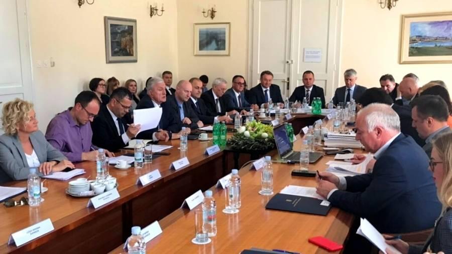Održan sastanak ministra uprave sa županima i predstavnicima županija